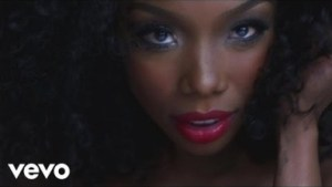Video: Brandy ft Chris Brown - Put It Down